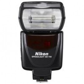 Фотовспышка Nikon Speedlight SB-700 AF TTL (FSA03901)